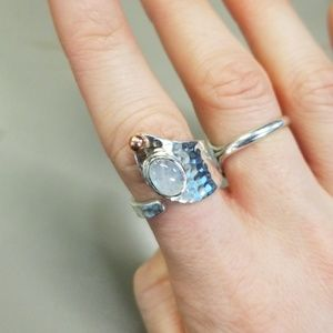 Jewelry - Sterling silver moonstone wrap ring